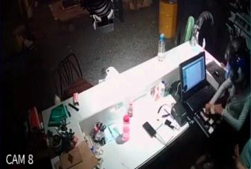 En video: Gran suma de dinero robaron delincuentes en el restaurante 'Rey Burguer' en San Antonio