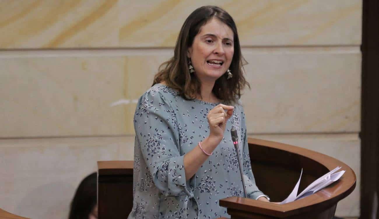 Tormenta en redes: Las reacciones ante la orden de aseguramiento en contra de Álvaro Uribe