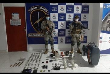 En Buenaventura, Infantería Marina incautó estupefacientes y material ilegal para lanchas rápidas