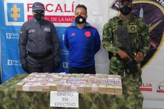 Detienen en Tuluá a hombre que transportaba mil millones de pesos camuflados