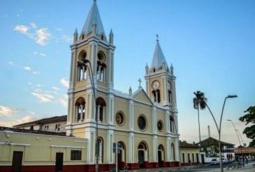 Entregan becas para jóvenes en Guacarí