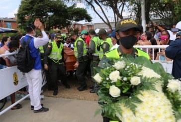 En medio lágrimas y dolor, amigos y familiares velan cuerpos de los cinco jóvenes de Llano Verde
