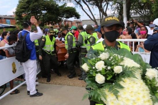 En medio lágrimas y dolor, amigos y familiares velan cuerpos de los cinco jóvenes asesinados en Llano Verde