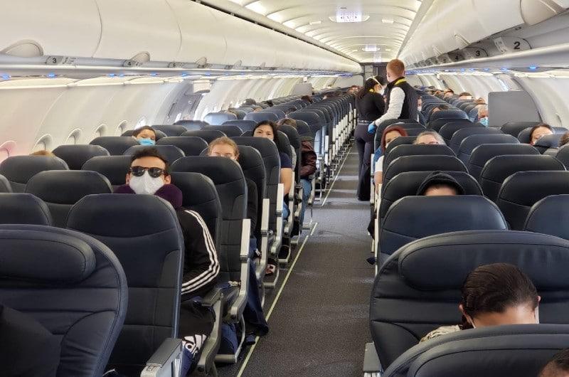 Más de 30 mil colombianos han regresado al país en 265 vuelos humanitarios, según Cancillería