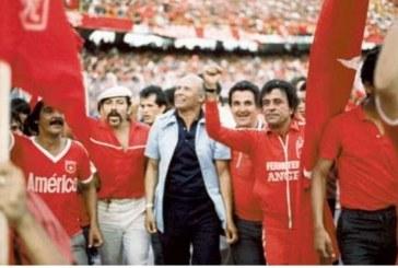 """Ochoa no se va… Ochoa no se va"""