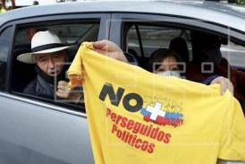 El uribismo sale en caravanas a las calles, en apoyo a su líder