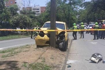 Varias versiones rodean muerte de un hombre que iba a bordo de un taxi en el sur de Cali