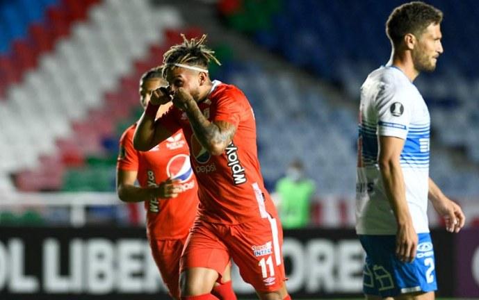 América y U. Católica igualaron y complican sus opciones de avanzar en Libertadores