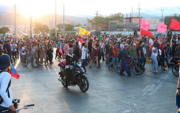 Autoridades en Cali dicen que se garantizó el derecho a la protesta ciudadana