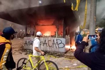 ELN reconoce que participó en actos vandálicos contra la Policía en Bogotá