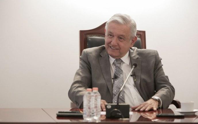 Presidente de México dice que se someterá a referendo de revocación de mandato