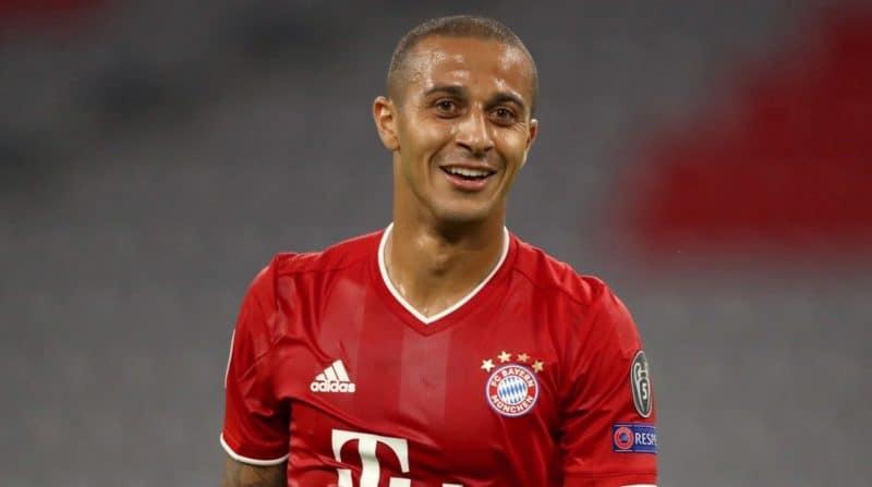 Thiago Alcántara confirmó su fichaje por el Liverpool