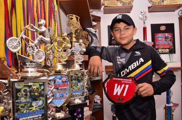 El joven Juan José Mañosca, ganó tres medallas de oro en BMX