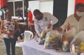 Comunidades vulnerables de 11 municipios del Valle recibieron 800 mercados