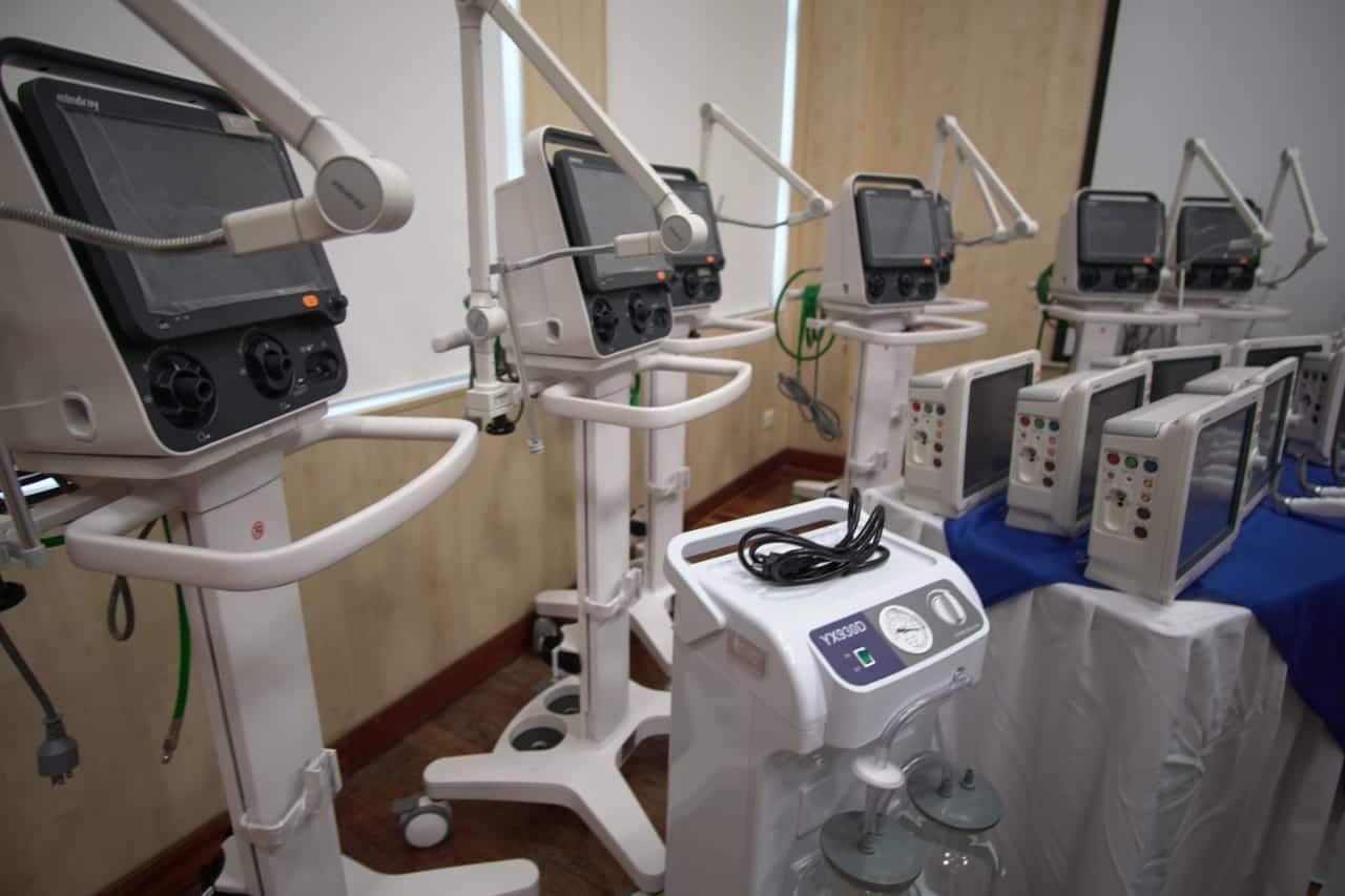 El HUV recibe donación de equipos biomédicos de última tecnología