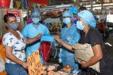 Más de 3.000 tapabocas fueron entregados en las plazas de mercado de Cali