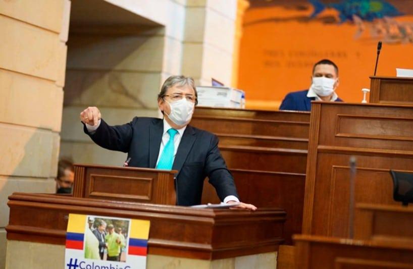 Senador de Colombia pide renuncia del Ministro de Defensa