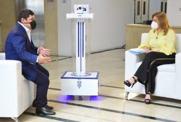 Producen más robots inteligentes para desinfectar espacios covid en Valle