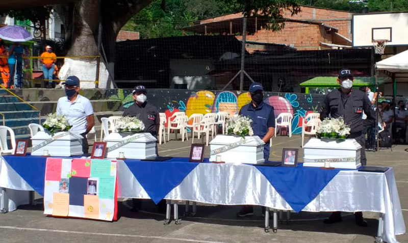 Autoridades entregan restos de cuatro desaparecidos en conflicto armado