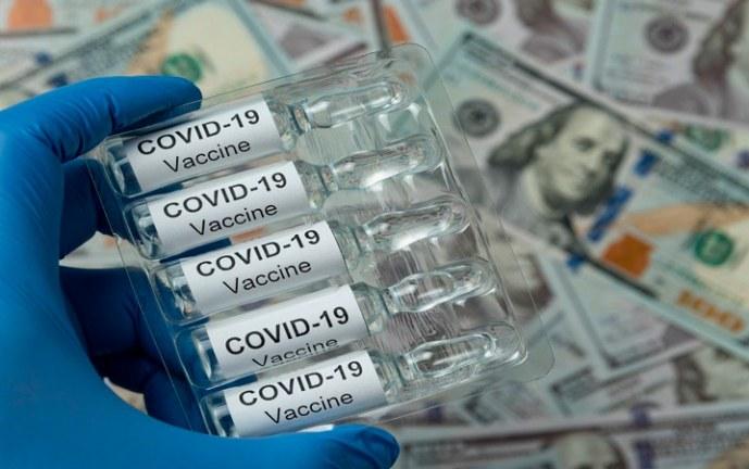 'Aquí nadie se va a quedar sin una vacuna oportuna': Iván Duque