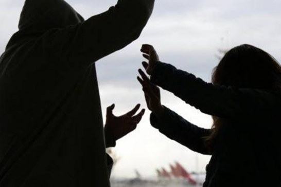 A prisión hombre que acuchilló a su pareja en vía pública de Roldanillo