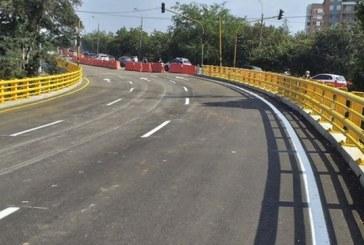 Puente de la Carrera 100 con Calle 25, otra de las 21 Megaobras que aún no está lista