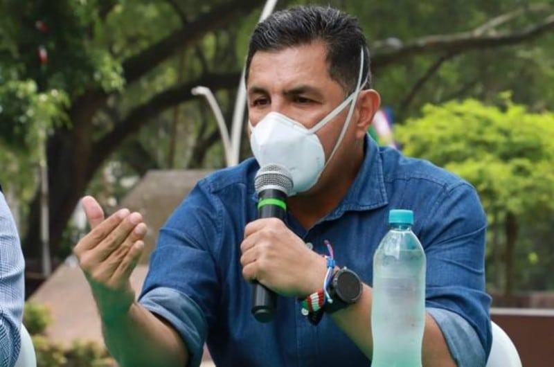 Funcionarios públicos deben predicar con el ejemplo: alcalde Ospina