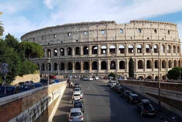 Médicos italianos piden cierre total del país ante situación de hospitales