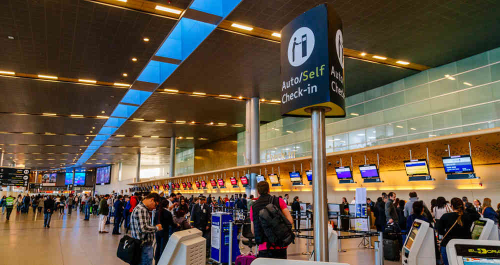 Secretario de Salud de Bogotá rechaza medida del Gobierno de eliminar test PCR a viajeros