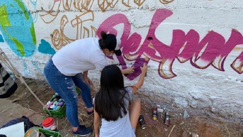 Graficalia transforma espacios de la Comuna 18 con mensajes de cultura ciudadana