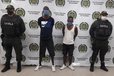 Cárcel a dos hombres por exigirle dinero a un comerciante en Buenaventura