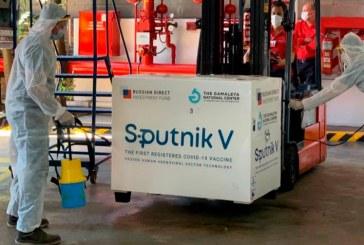 Argentina inició campaña de vacunación contra covid-19 con Sputnik V