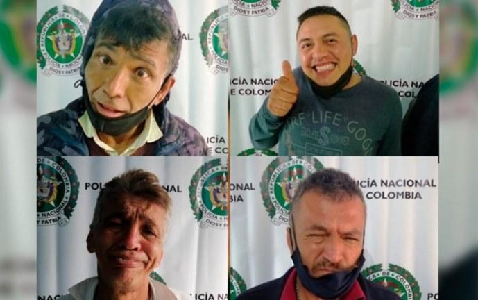 Capturados por hurto en Bogotá, hacen muecas en la reseña policial