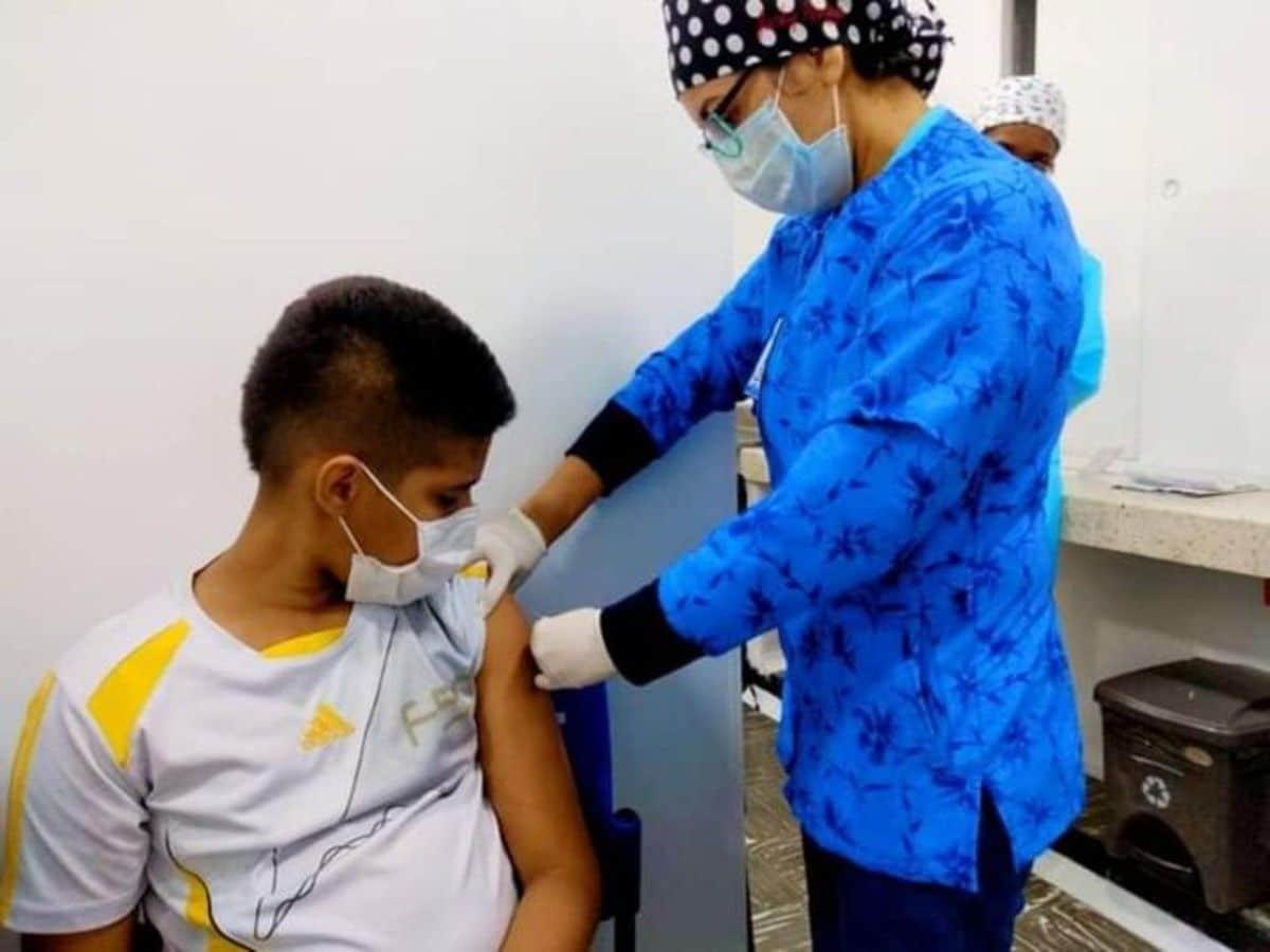 Moderna inició pruebas de vacuna contra Covid-19 en niños