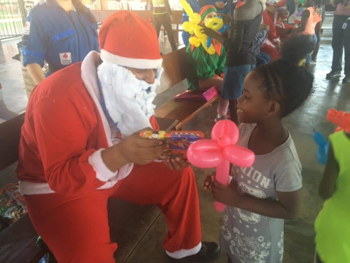 Conozca dónde puede donar regalos para niños de escasos recursos