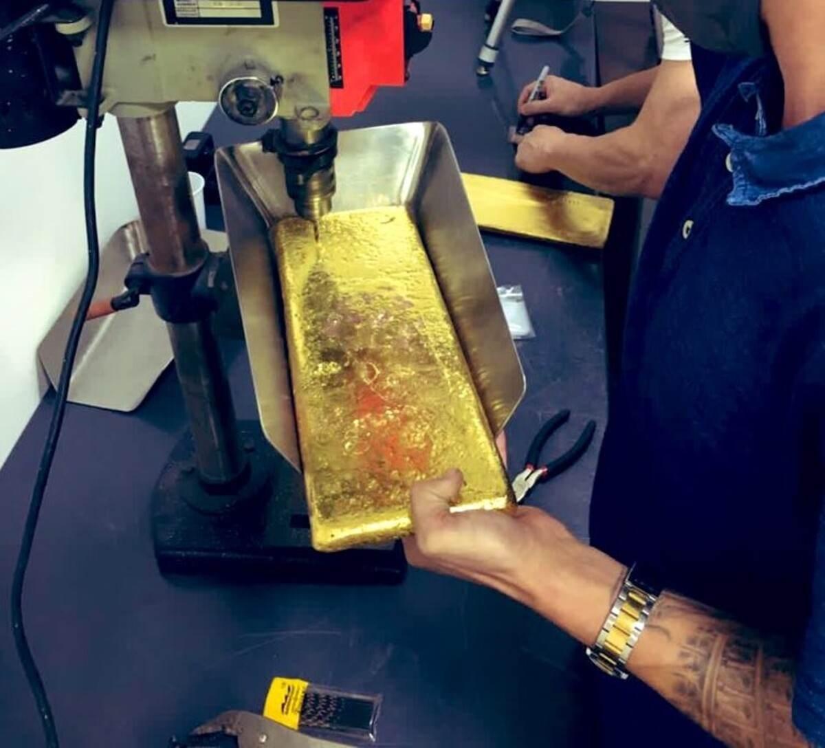 Venden por 11 millones de dólares oro entregado por las Farc