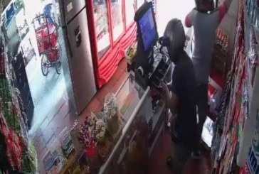 En video quedó registrado el robo en una tienda del sur de Cali