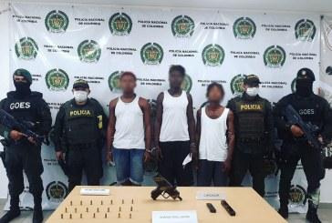 Capturados tres hombres que, al parecer, portaban una subametralladora Uzi en Buenaventura