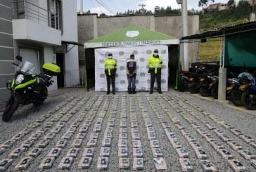 Capturan a conductor de un camión que presuntamente transportaba 240 kilos de cocaína