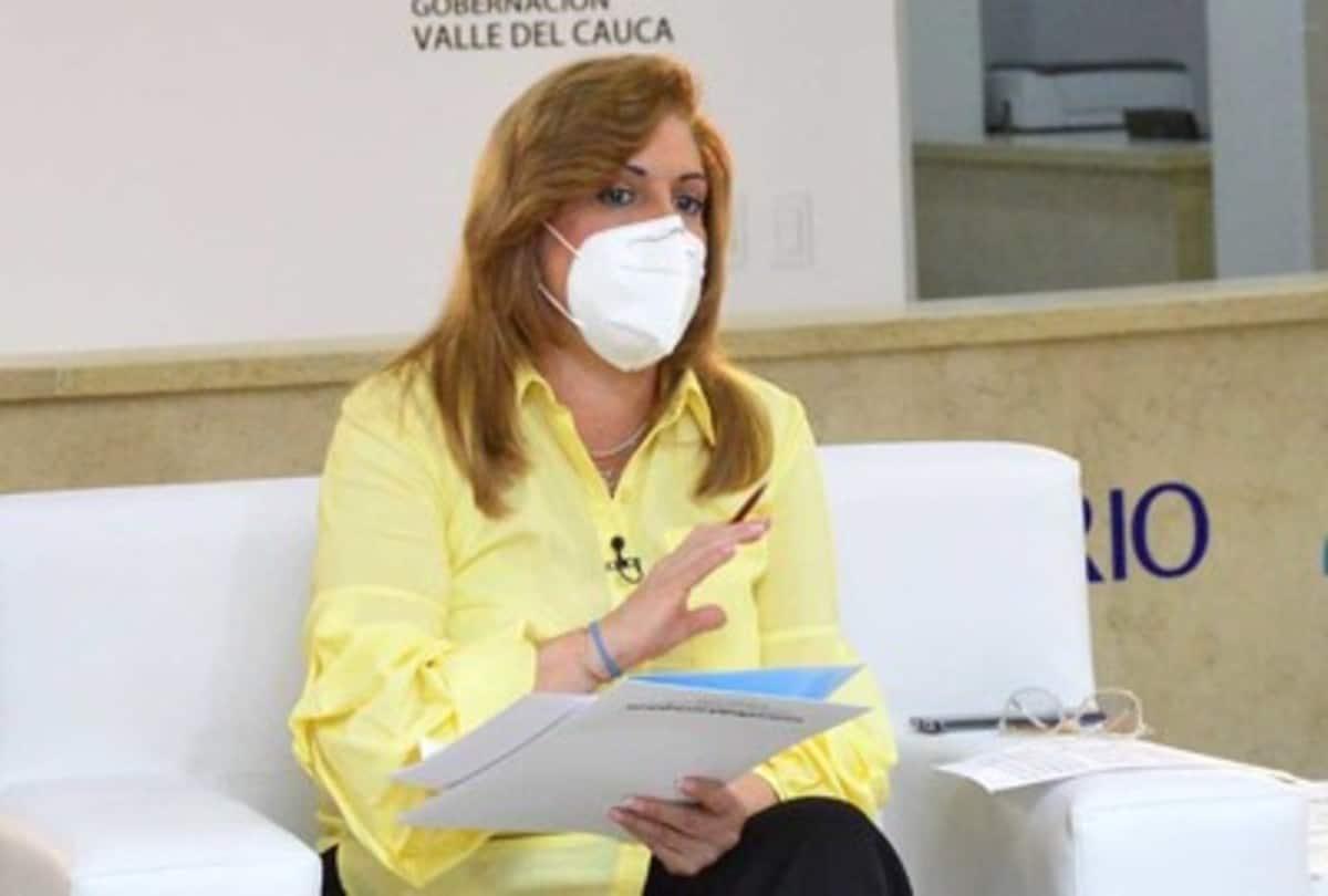 Gobernadora del Valle alerta sobre estafa con venta de vacunas Covid-19