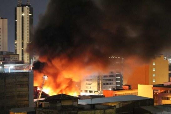 Se registró incendio estructural de gran magnitud en el centro de Cali