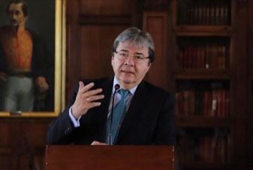 Ministro de Defensa Carlos Holmes Trujillo resultó positivo para Covid-19