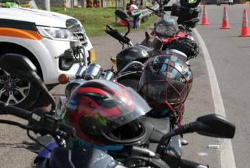 Conozca las nuevas reglamentaciones para el uso del casco en motocicletas