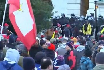 Seguidores de Donald Trump protestan frente al Capitolio