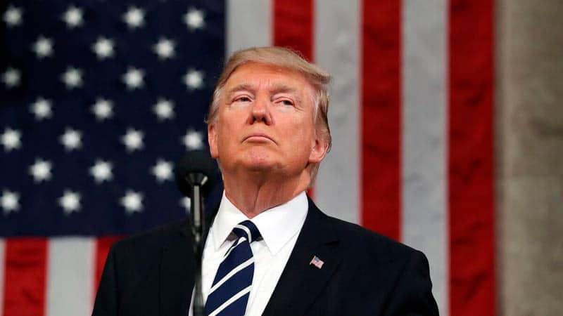 Trump anuncia demanda colectiva contra Google, Facebook y Twitter