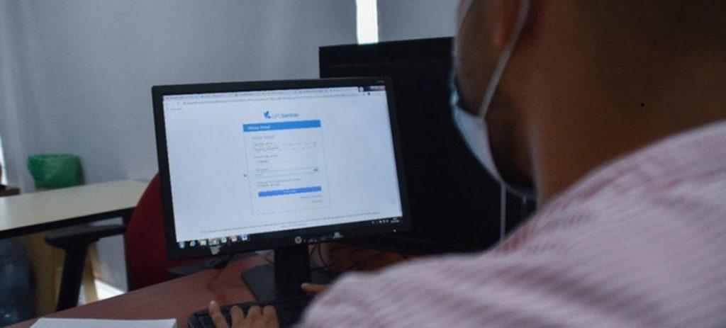 Las EPS habilitaron un espacio en sus páginas web para que sus afiliados actualicen sus datos y así facilitar el proceso de vacunación.