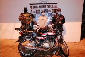 Capturan a mujer que extorsionaba a un abogado en el Cauca