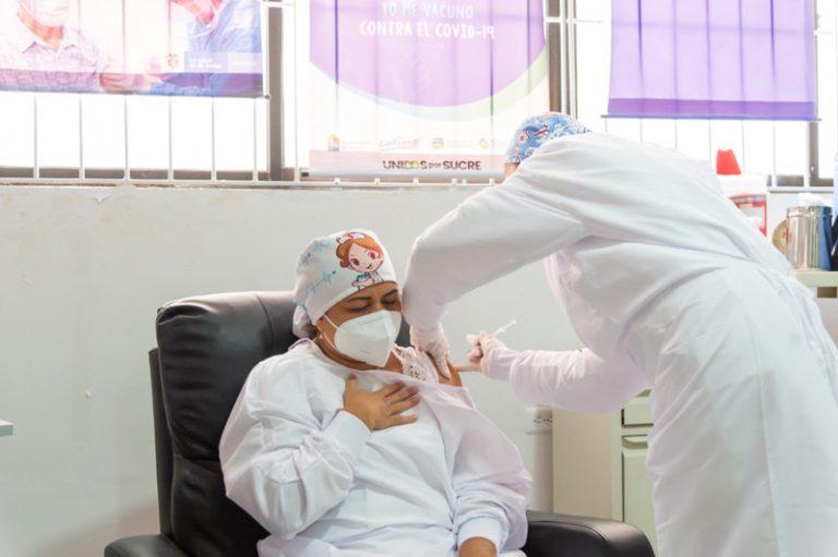La secretaria de Salud, explicó que llegaron 8.934 dosis, de las cuales 5.184 serán para las primeras personas del personal médico que se vacunaron.
