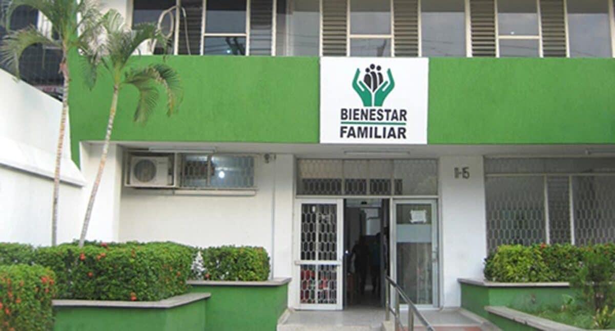 Madres comunitarias del ICBF realizaron plantón por irregularidades en procesos de contratación