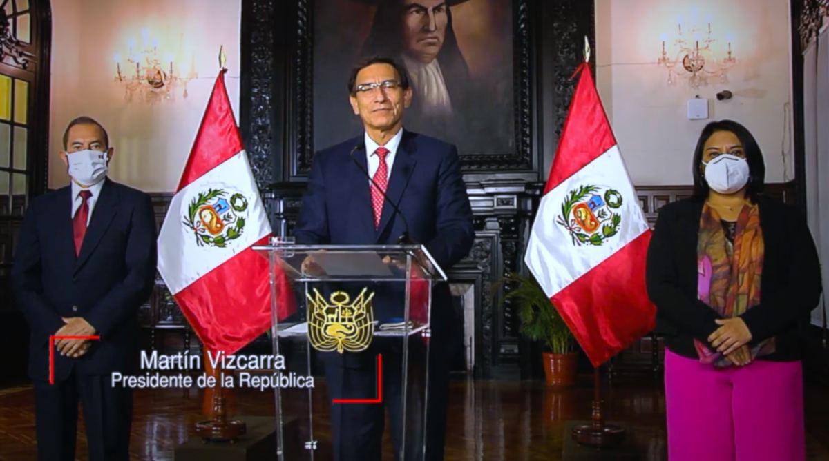 Polémica en Perú por vacunación irregular de expresidente y funcionarios